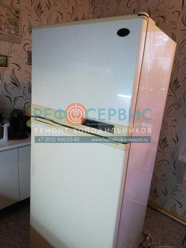 Ремонт силовой платы и модуля управления в холодильнике DAEWOO FR-490